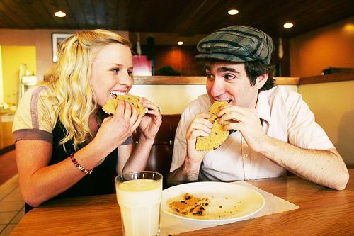 フリー画像| 人物写真| 一般ポートレイト| 恋人/カップル| 飲食|