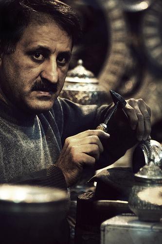 フリー画像| 人物写真| 男性ポートレイト| 外国人男性| イラン人| 働く人|