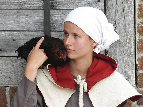 フリー画像| 人物写真| 女性ポートレイト| 白人女性| 鶏/ニワトリ| 中世ヨーロッパ|
