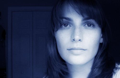 フリー画像| 人物写真| 女性ポートレイト| 白人女性| 青色/ブルー|