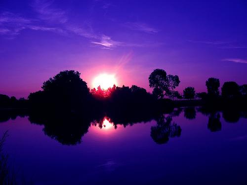 フリー画像  自然風景  湖の風景  夕日/夕焼け/夕暮れ  紫色/パープル 