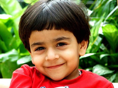 フリー画像| 人物写真| 子供ポートレイト| 少年/男の子| 外国の子供| ドバイ人|