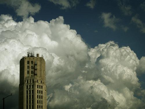フリー画像| 人工風景| 建造物/建築物| ビルディング| 雲の風景| アメリカ風景| イリノイ州|