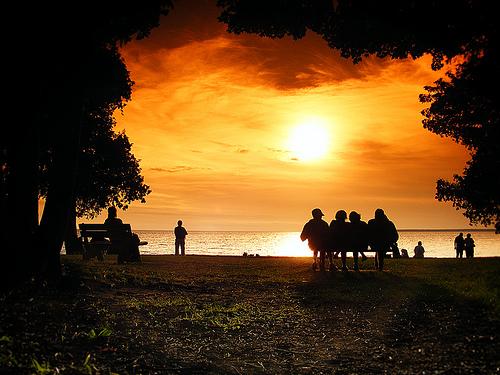 フリー画像|自然風景|空の風景|ビーチ/浜辺|夕日/夕焼け/夕暮れ|橙色/オレンジ|シルエット|アメリカ風景|