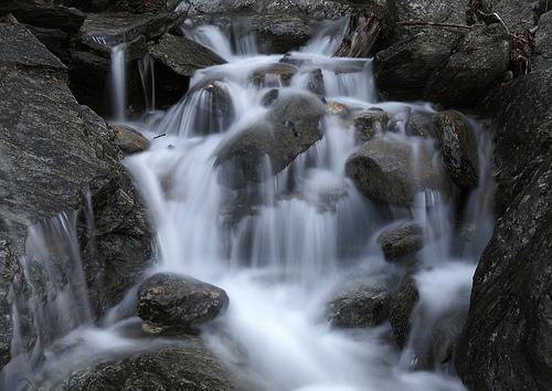 フリー画像| 自然風景| 滝の風景| 河川の風景|
