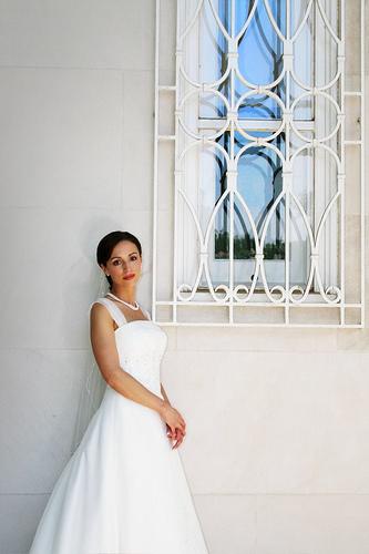 フリー画像| 人物写真| 女性ポートレイト| 白人女性| 結婚式/ブライダル| 白色/ホワイト| ウエディングドレス|
