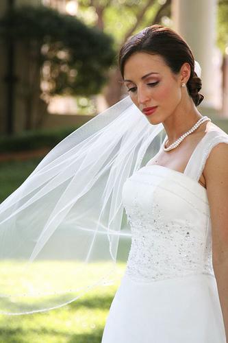 フリー画像| 人物写真| 女性ポートレイト| 白人女性| 結婚式/ブライダル| ウエディングドレス|