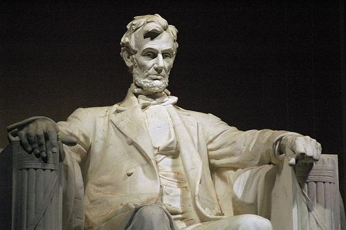 フリー画像| 人工風景| オブジェ|  彫刻/彫像| リンカーン像| リンカーン記念館| アメリカ風景| ワシントンD.C.|