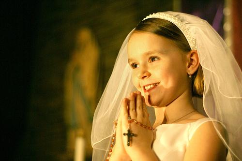 フリー画像| 人物写真| 子供ポートレイト| 少女/女の子| 外国の子供| ウエディングドレス|
