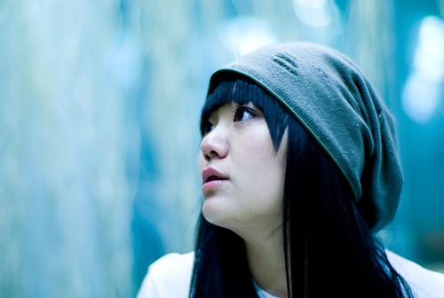 フリー画像| 人物写真| 女性ポートレイト| アジア女性| 横顔| 帽子| 黒髪|