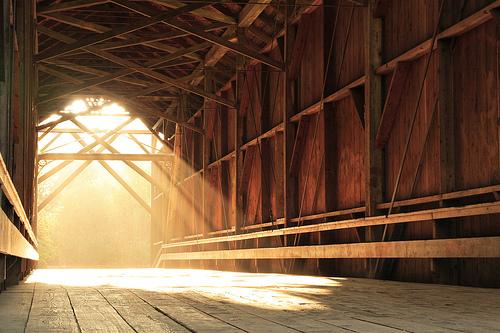 フリー画像| 人工風景| 建造物/建築物| 橋の風景| 太陽光線|