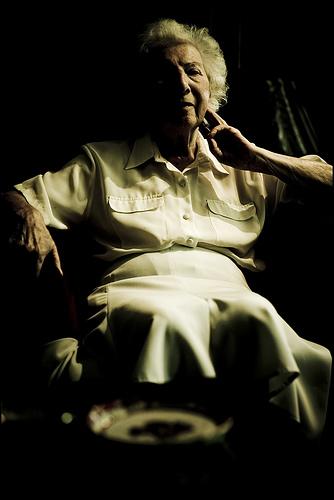 フリー画像| 人物写真| 一般ポートレイト| 老人/お年寄り| おばあさん/おばあちゃん|