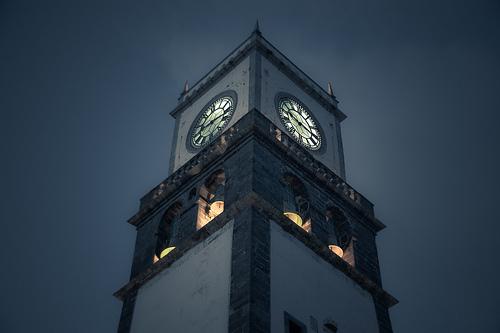フリー画像| 人工風景| 建造物/建築物| 時計台| 教会/聖堂| 夜景| ポルトガル風景| アゾレス諸島|