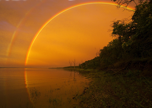 フリー画像| 自然風景| 湖の風景| 虹の風景| 夕日/夕焼け/夕暮れ| 橙色/オレンジ| カンザス州|