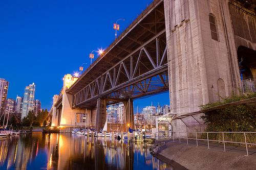 フリー画像|人工風景|建造物/建築物|橋の風景|夜景|マリーナ|HDR画像|カナダ風景|バンクーバー|