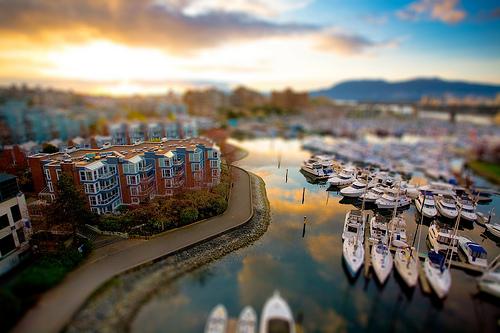 フリー画像| 人工風景| 建造物/建築物| 街の風景| マリーナ| ティルト・シフト| カナダ風景| バンクーバー| 船舶/ボート|