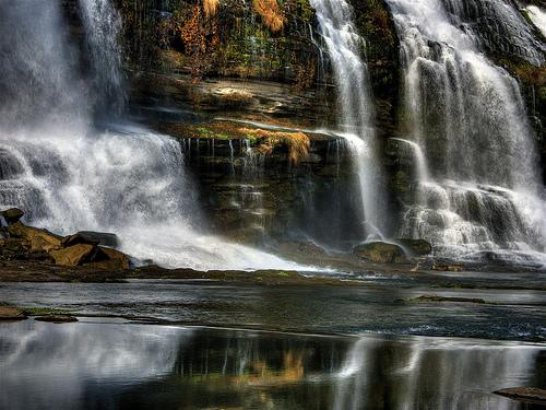 フリー画像| 自然風景| 滝の風景| ロックアイランド州立公園| アメリカ風景| テネシー州|