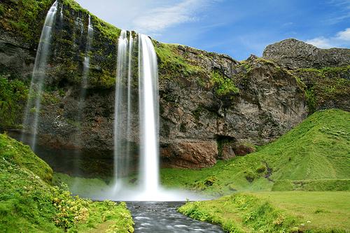 フリー画像| 自然風景| 滝の風景| アイスランド風景| Seljalandfoss|