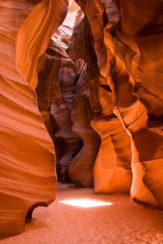 フリー画像| 自然風景| 峡谷の風景| アッパーアンテロープキャニオン| アメリカ風景| アリゾナ州|