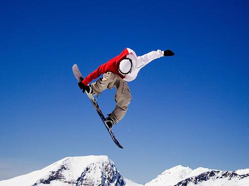 フリー画像| 人物写真| 一般ポートレイト| スノーボード| 跳ぶ/ジャンプ| 雪景色| スポーツ|