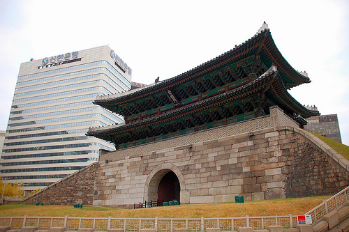 フリー画像| 人工風景| 建造物/建築物| 南大門| 門/ゲート| 韓国風景| ソウル|