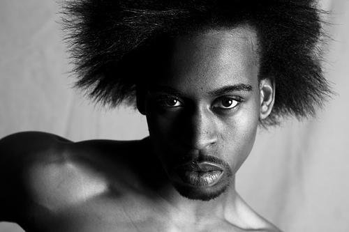 フリー画像| 人物写真| 男性ポートレイト| 外国人男性| 黒人男性| 黒人| モノクロ写真|
