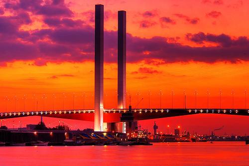 フリー画像| 人工風景| 橋の風景| 夕日/夕焼け/夕暮れ| 赤色/レッド| オーストラリア風景| メルボルン| HDR画像|