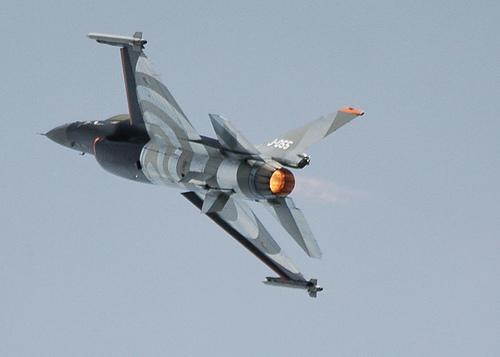 フリー画像| 航空機/飛行機| 軍用機| 戦闘機| F-16 ファイティング・ファルコン| F-16 Fighting Falcon|