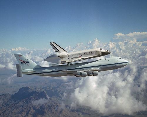 フリー画像| 航空機/飛行機| スペースシャトル| シャトル輸送機| ボーイング747|