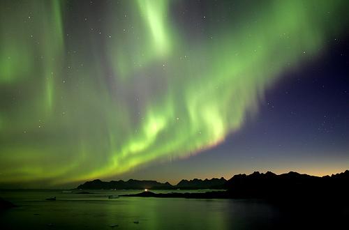 フリー画像| 自然風景| 空の風景| オーロラ| 夜景| 緑色/グリーン|