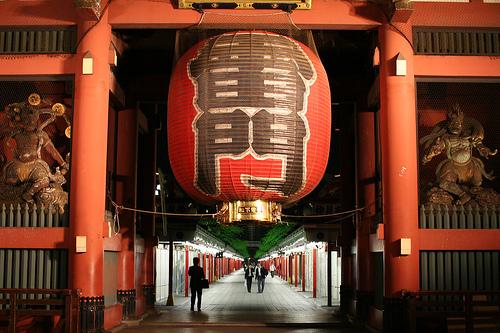 フリー画像| 人工風景| 建造物/建築物| 神社/仏閣/寺院| 雷門| 日本風景| 東京| 赤色/レッド| 浅草|
