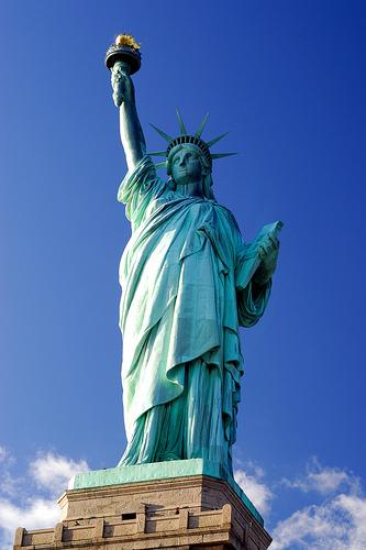 フリー画像| 人工風景| 彫刻/彫像| 自由の女神| アメリカ風景| ニューヨーク| 青色/ブルー|