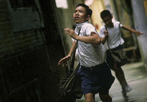 フリー画像| 人物写真| 子供ポートレイト| 少年/男の子| 外国の子供| 走る| 中国人| 学生/生徒|