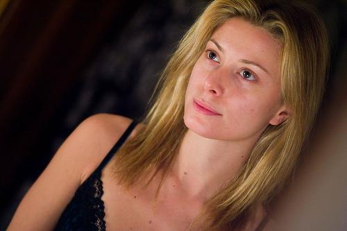 フリー画像| 人物写真| 女性ポートレイト| 白人女性| 金髪/ブロンド| 横顔|