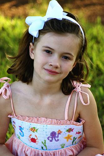 フリー画像| 人物写真| 子供ポートレイト| 少女/女の子| 外国の子供| 金髪/ブロンド| 飲食|