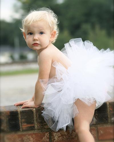 フリー画像  人物写真  子供ポートレイト  赤ちゃん  外国の子供  バレリーナ  金髪/ブロンド 