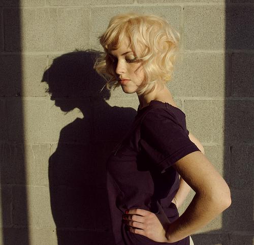 フリー画像| 人物写真| 女性ポートレイト| 白人女性| 金髪/ブロンド|