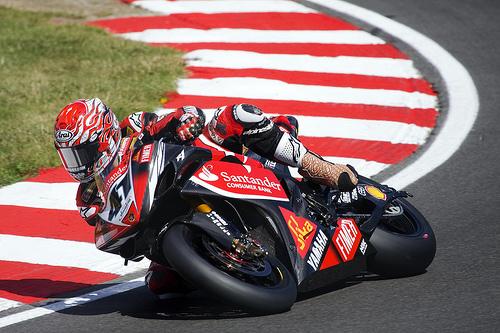 フリー画像| バイク/オートバイ| ワールド・スーパーバイク 芳賀紀之/Noriyuki Haga| ブランズハッチ| Yamaha YZF-R1|