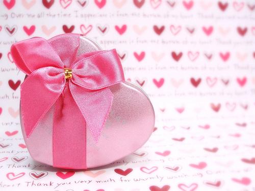 フリー画像| 物/モノ| バレンタインデー| プレゼント| ハート| 桃色/ピンク|