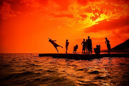 フリー画像| 自然風景| 雲の風景| 暗雲の風景| 山の風景| 火山の風景| 噴火/噴煙| 煙/スモーク| パプアニューギニア風景|