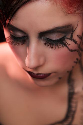 フリー画像| 人物写真| 女性ポートレイト| 白人女性| 化粧/メイク| 目を閉じる|