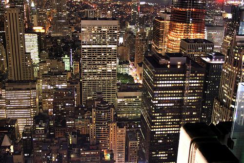 フリー画像| 人工風景| 建造物/建築物| ビルディング| 夜景| 街の風景| アメリカ風景| ニューヨーク|