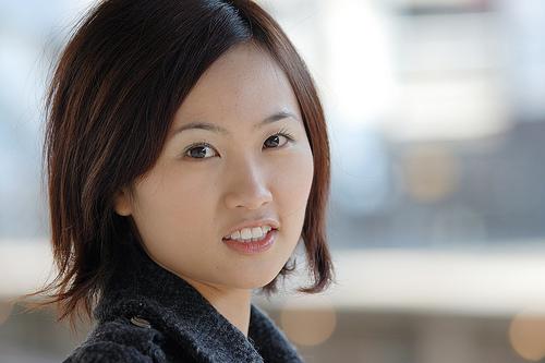 フリー画像| 人物写真| 女性ポートレイト| アジア女性| ショートヘアー| コート|