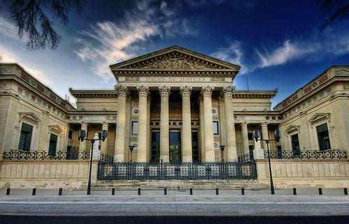 フリー画像| 人工風景| 建造物/建築物| 裁判所| パレ・ドゥ・ジャスティス| フランス風景| ニーム| HDR画像|