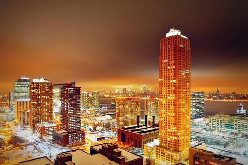 フリー画像  人工風景  建造物/建築物  街の風景  夜景  橙色/オレンジ  アメリカ風景  ニュージャージー州  ジャージーシティ 