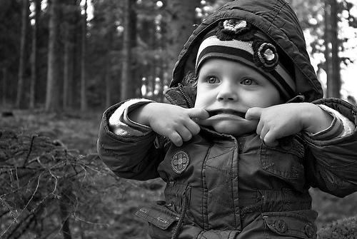 フリー画像| 人物写真| 子供ポートレイト| 外国の子供| 赤ちゃん| モノクロ写真|