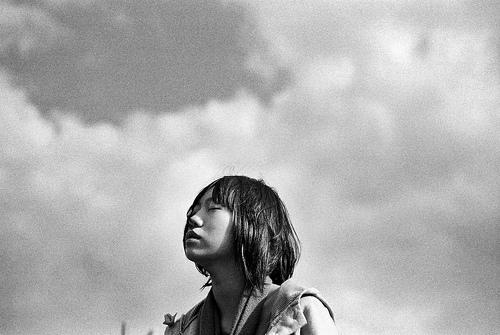 フリー画像| 人物写真| 女性ポートレイト| アジア女性| 目を閉じる| モノクロ写真| 台湾人|