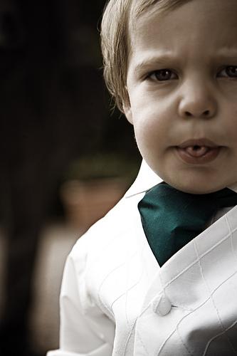 フリー画像|人物写真|子供ポートレイト|外国の子供|少年/男の子|あっかんべー!|