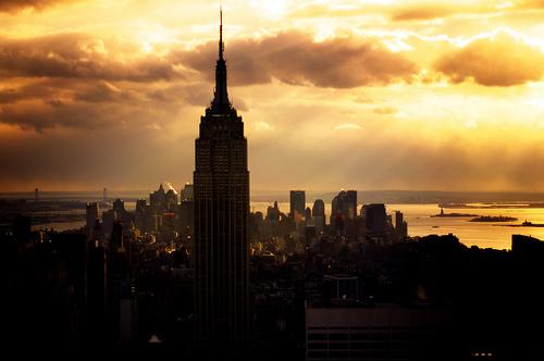 フリー画像| 人工風景| 建造物/建築物| 街の風景| 太陽光線| ビルディング| エンパイア・ステート・ビルディング| アメリカ風景| ニューヨーク| 橙色/オレンジ| HDR画像|