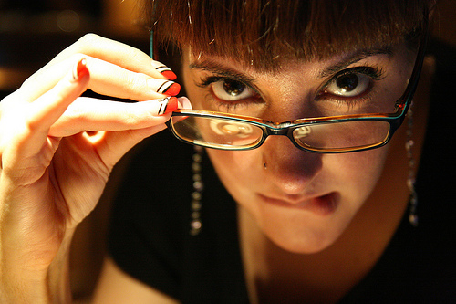 フリー画像| 人物写真| 女性ポートレイト| ラテン系女性| 眼鏡/メガネ|